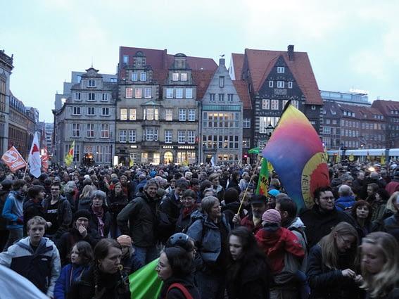 Bunt und zahlreich: Protest gegen Atomkraft